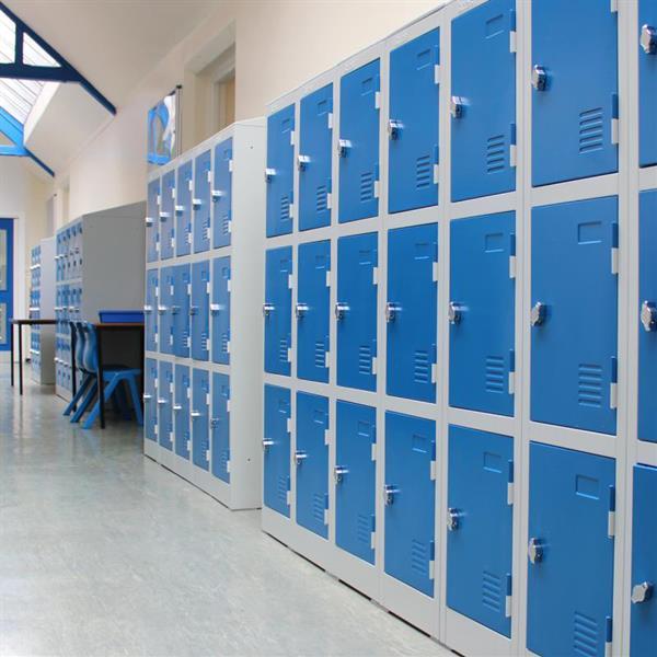 Emptying of Lockers